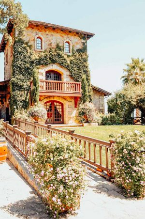 Outside-of-V.-Sattui-Winery-in-St-Helena-CA-Flickr